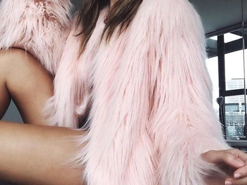 casaco de pelo falso